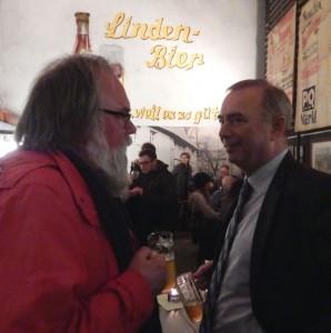 Wolfgang Patzkowsky (Patze) mit Bürgermeister Werner Kolter.