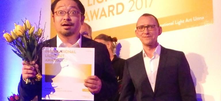 Lichtkunstpreis für Satoru Tamura – Bei ihm fliegen die Funken