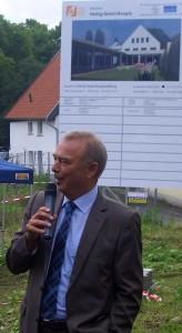 Bürgermeister Werner Kolter freut sich, dass es endlich losgeht.